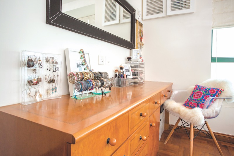 home office: Fabulous jewellery on a dressing table