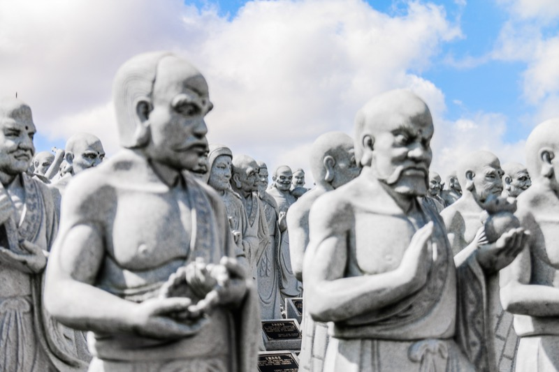 Bintan Island: The amazing Lohan statues of Vihara