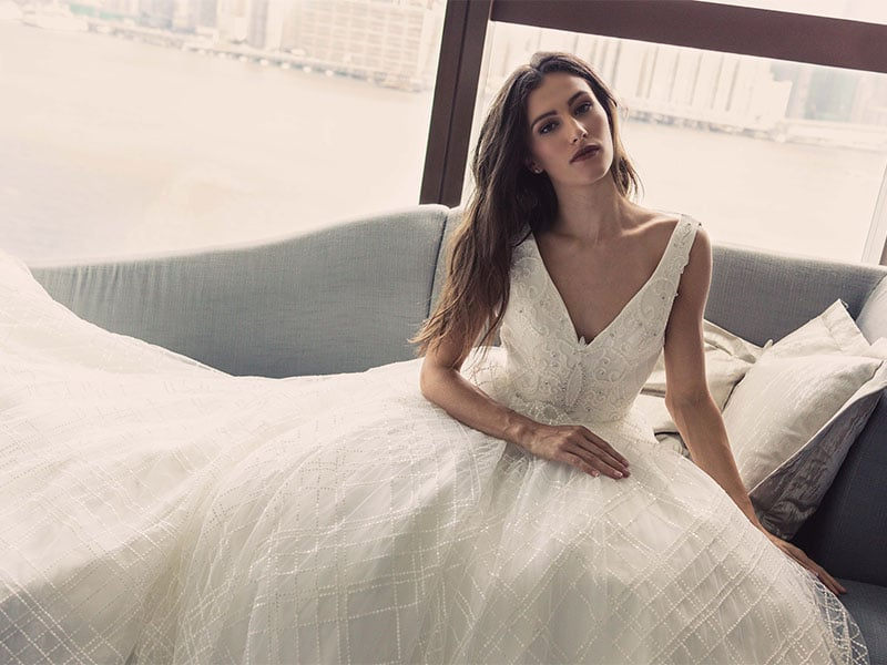 Hong Kong Wedding Guide: Dresses, rings, and gifts