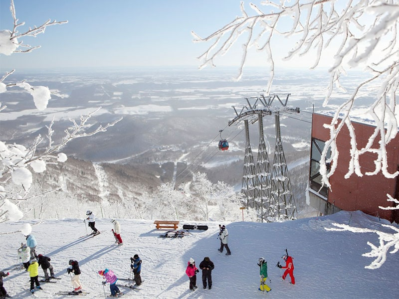 Japan Jebsen Travel ski lift